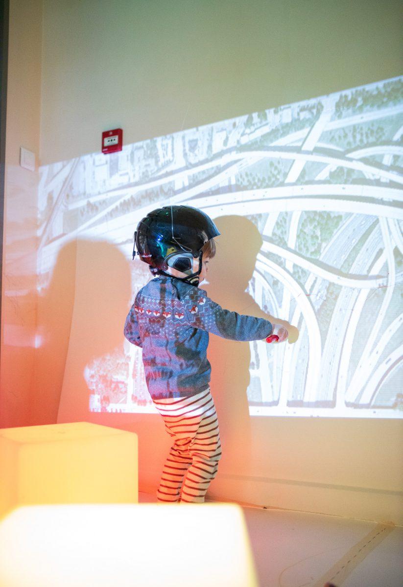 activités-enfants-lumière-circuit-voiture