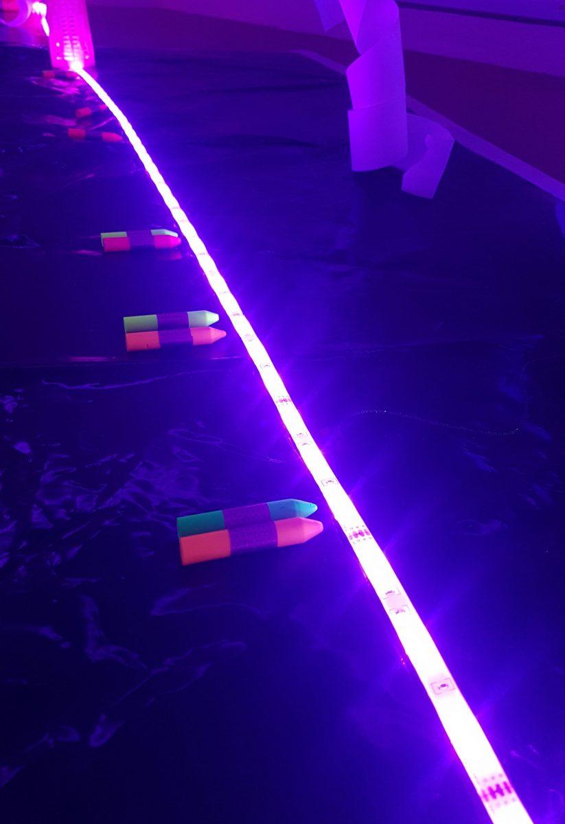 activités-enfants-lumière-fluo