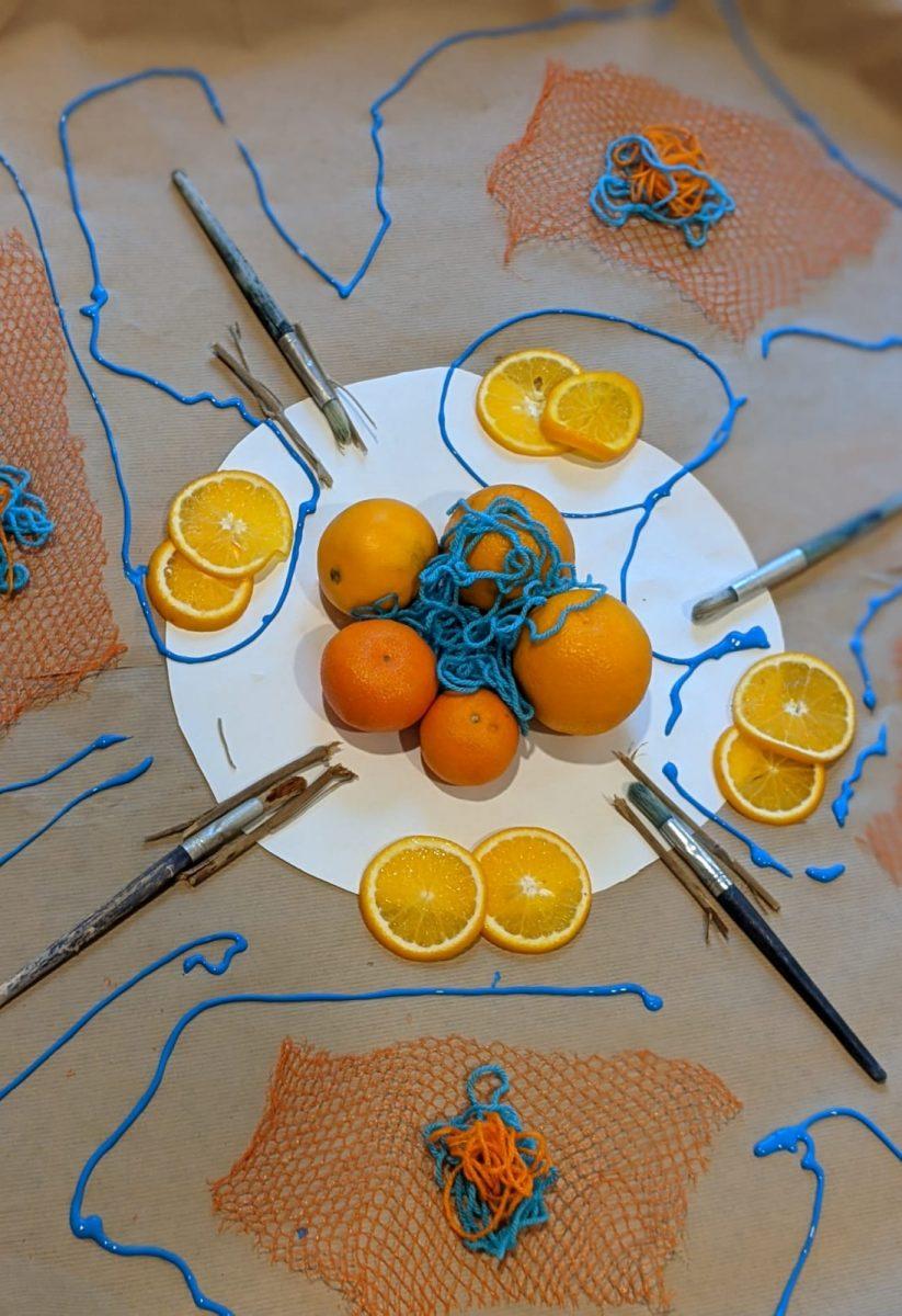 activités-enfants-peinture-bleu-orange2
