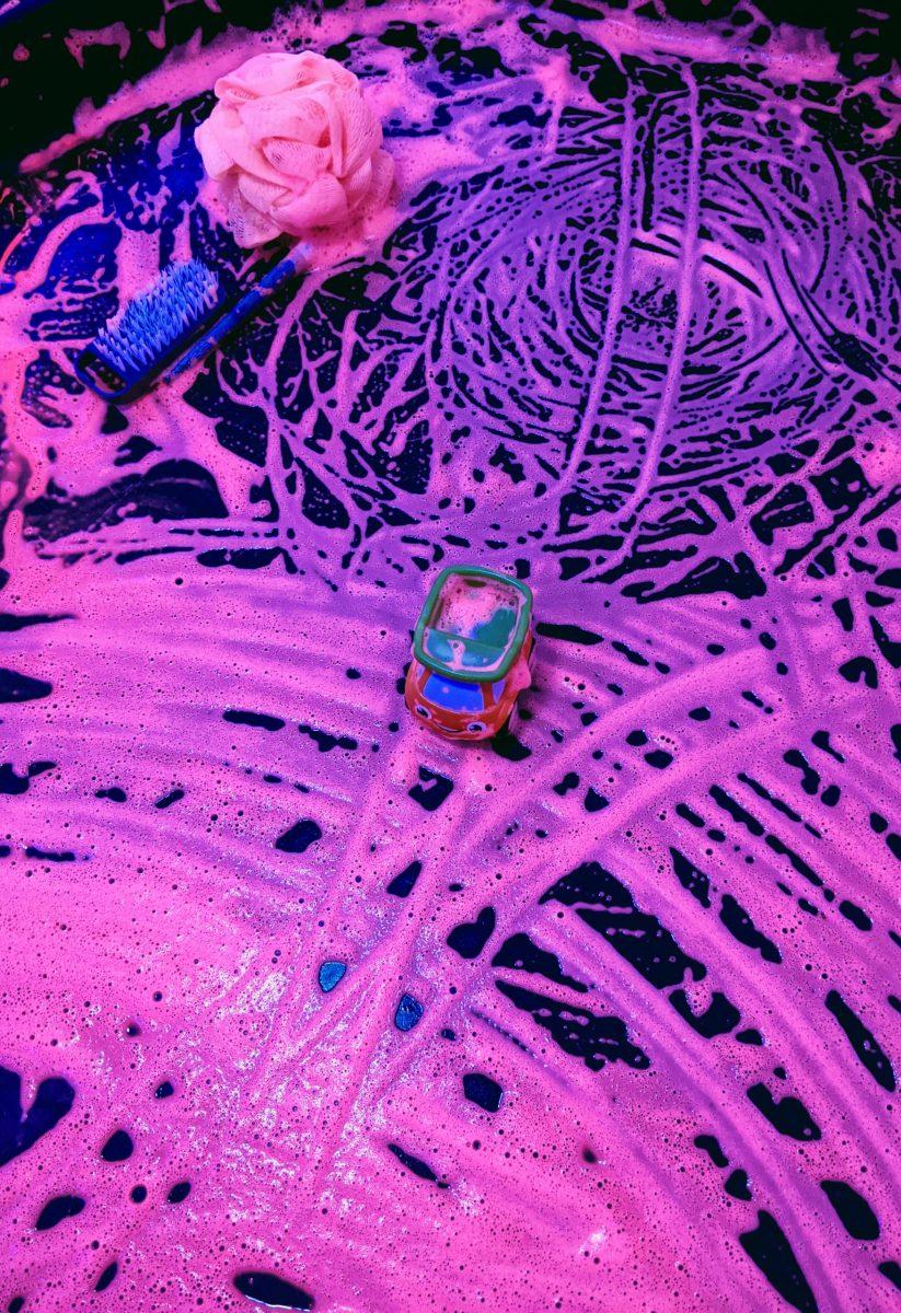 activités-enfants-peinture-fluo
